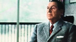 """Presentaron un estudio crítico del """"Libro Azul"""" de Braden contra Perón"""