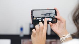 """San Juan presentó una aplicación de realidad virtual para """"interactuar"""" con dinosaurios"""