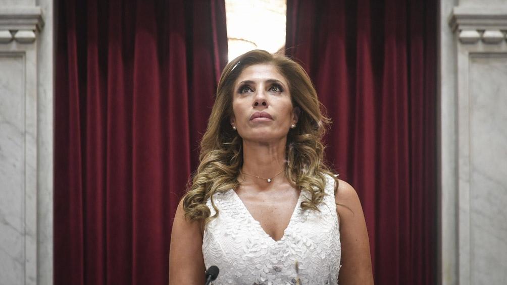 En reemplazo de la vicepresidenta Cristina Fernández de Kirchner, quien se encuentra en ejercicio de la Presidencia por la gira del primer mandatario a México, la presidenta provisional Claudia Ledesma abrió el plenario