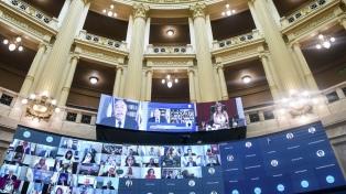 El Senado ratificó a sus autoridades, aprobó pliegos de embajadores y homenajeó a Menem
