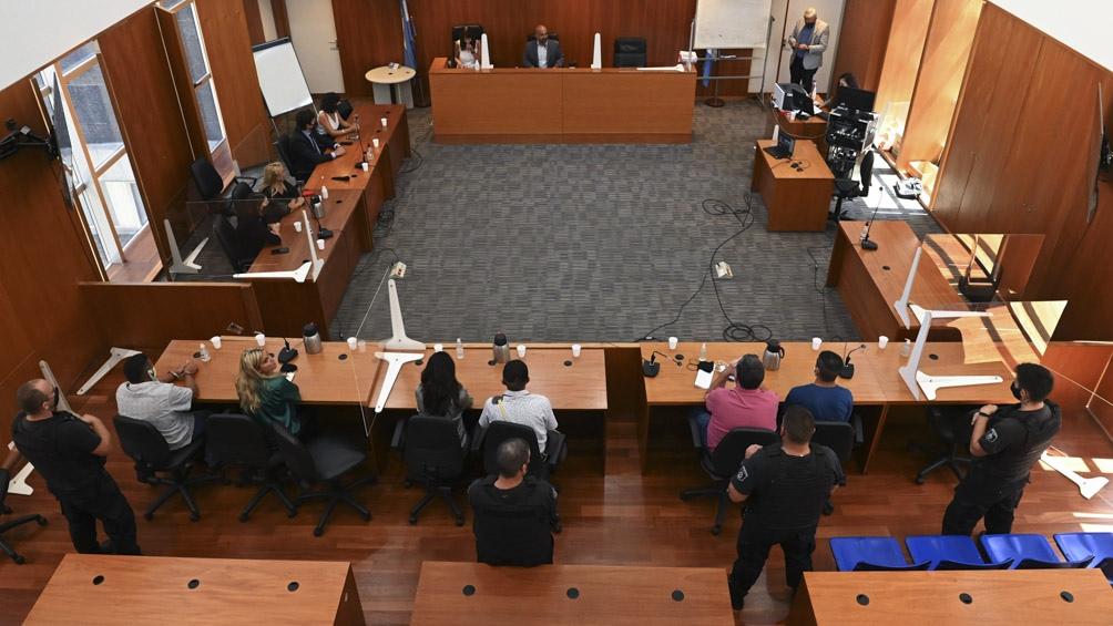 En su alegato de apertura, el fiscal del juicio, Matías Edery, pidió tres años de prisión para Laferrara.