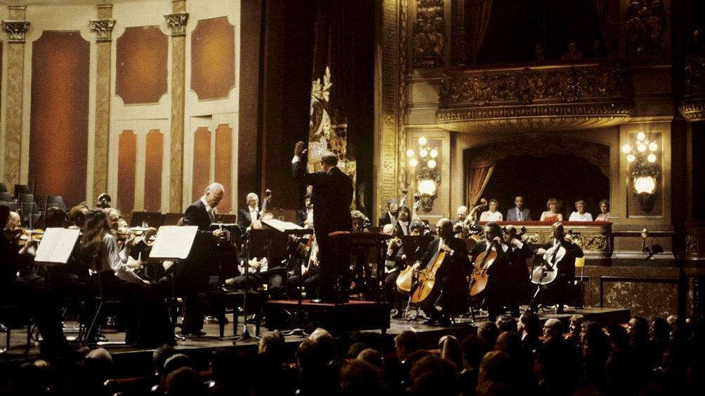 """El ciclo abre el viernes 5 a las 20 con """"Piazzolla Sinfónico"""" que reunirá a la Orquesta Estable del Teatro Colón, con los solistas Juan José Mosalini (bandoneón) y César Angeleri (guitarra) y, como invitado, Juan Pablo Navarro (contrabajo)."""