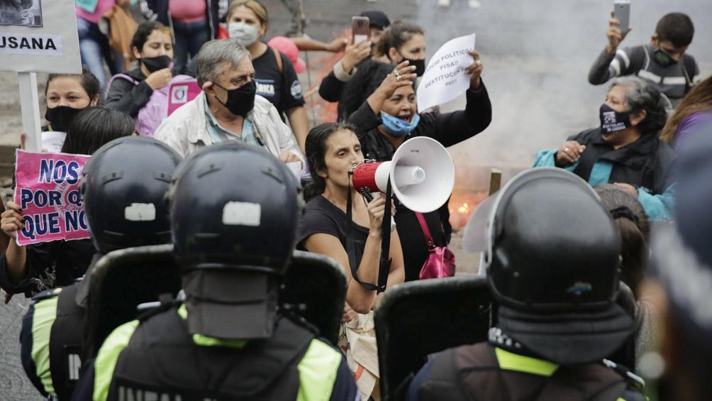 El juez Pisa evitó el juicio político y hubo incidentes en una marcha realizada por Paola Tacacho