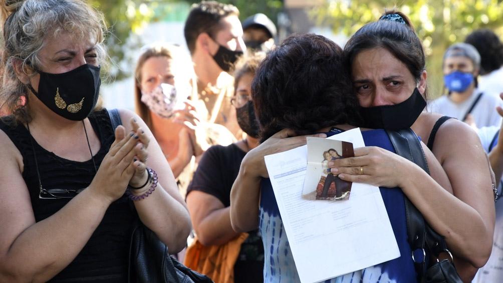 Los familiares de Lorena Franco se concentraron en la plaza Alsina, Avellaneda.