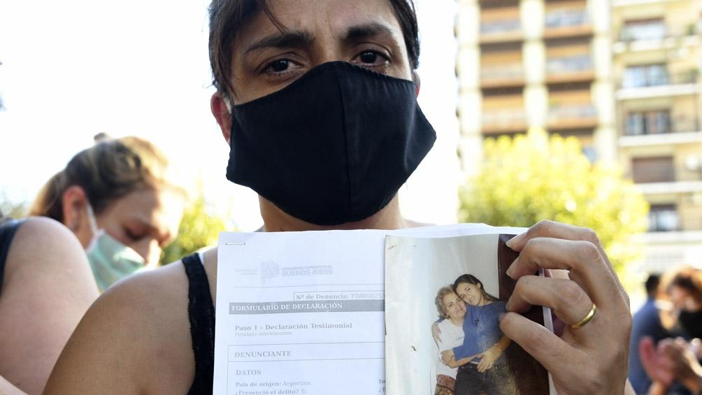 Familiares y amigos de Lorena Franco reclaman que su muerte se investigue como femicidio.