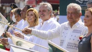 La ciudad de la bandera mexicana recibió a Alberto Fernández y López Obrador