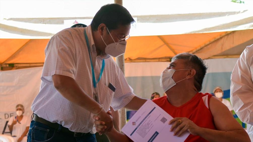 El presidente Luis Arce, en el inicio del Plan Nacional de Vacunación.