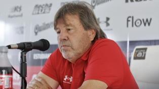 Zielinski piensa en un solo cambio para jugar ante Racing