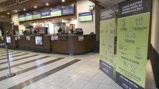 Habilitan los cines en Neuquén, Santa Fe y Salta con la mitad de la capacidad de las salas