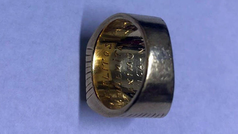 El anillo pertenecía al expresidente Menem