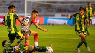 Aldosivi goleó a Arsenal en Mar del Plata