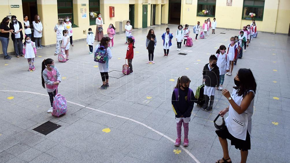 Desde UTE-Ctera señalaron que, en la última semana, hay 494 burbujas afectadas en las escuelas del distrito porteño