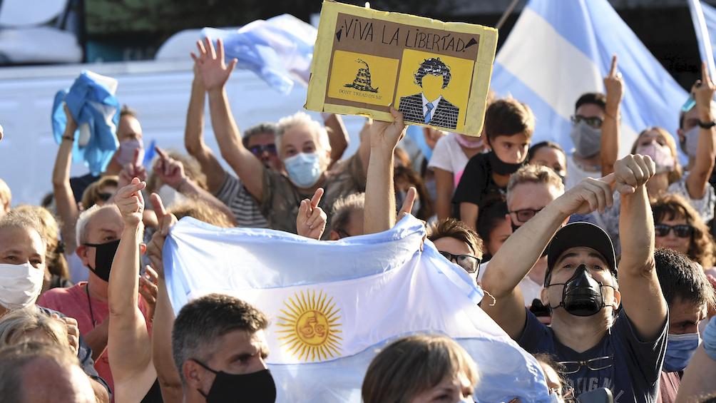 Manifestantes de la marcha opositora