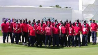 Se vistieron de rojo en homenaje a Tiger Woods, quien se recupera de un accidente