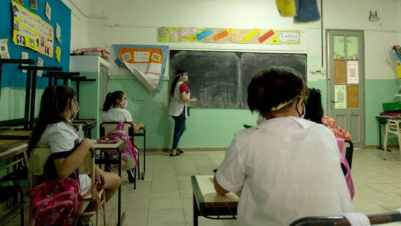 """Para Trotta es """"incomprensible"""" que en las aulas de CABA no se respete el distanciamiento"""
