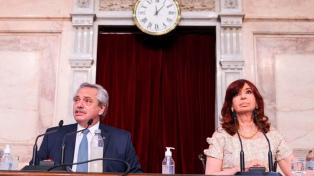 """Presidente Alberto Fernández promoverá """"ação criminal"""" por dívida contraída pelo ex-presidente Macri e destaca campanha de vacinação"""