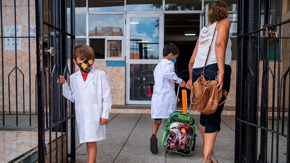 """""""Los datos científicos dan cuenta que el problema no ocurre en los colegios sino que detrás de la presencialidad de alumnos se genera todo un movimiento social"""""""