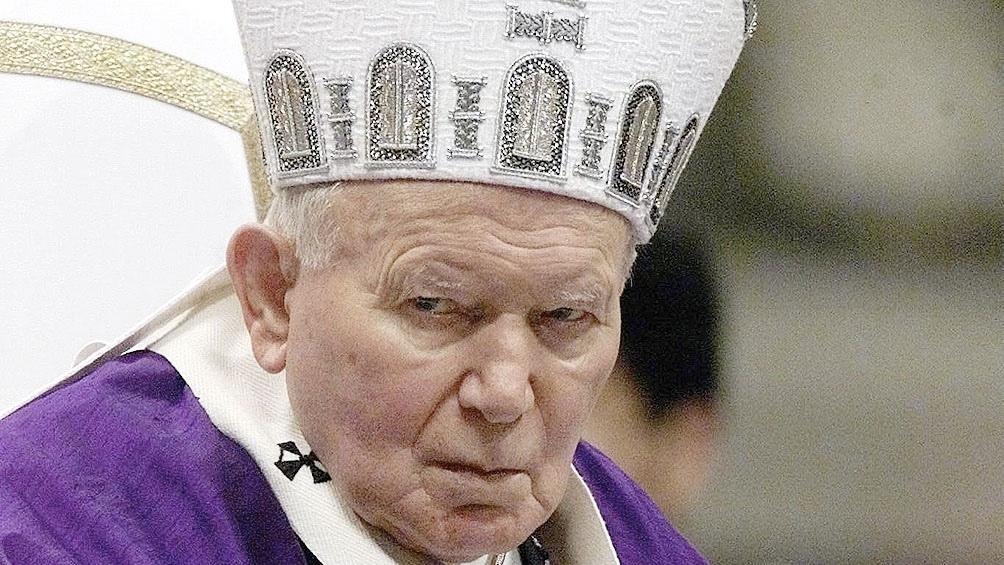 Juan Pablo II repudióla invasión a Irak, liderada por Estados Unidos y Reino Unido.