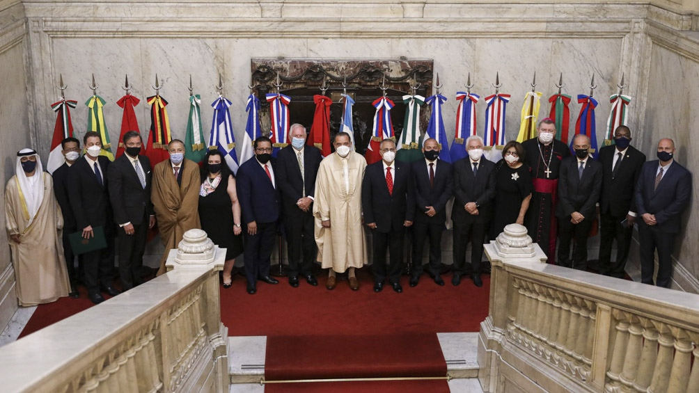 El Presidente estuvo acompañado por el canciller Felipe Solá.
