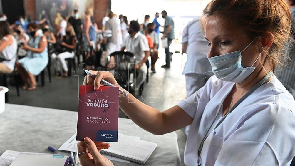 Santa Fe avanza con fuerte ritmo de vacunación al personal docente.
