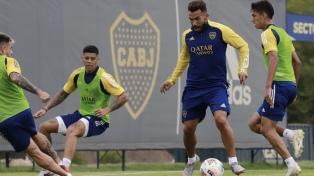 Tevez, concentrado y en duda para jugar ante Vélez