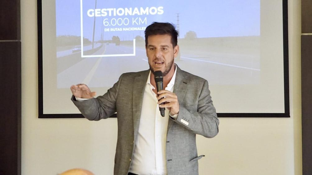 """""""Corredores Viales quiere ser parte del sistema productivo del país"""", dijo Atanasof."""