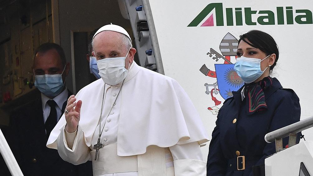 Francisco partió de Roma a Irak