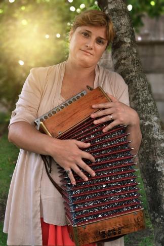 Marcia Müller presentará en el recital virtual su repertorio ligado a los ritmos litoraleño.