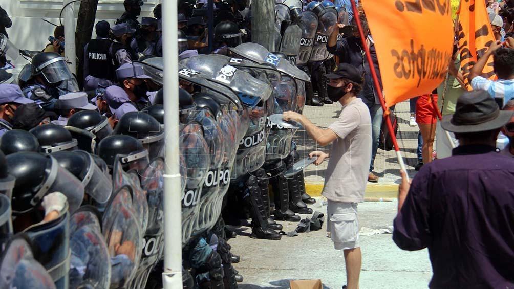 """La Secretaría de Derechos Humanos repudió la """"violencia sobre los manifestante frente a la Gobernación de Formosa"""""""