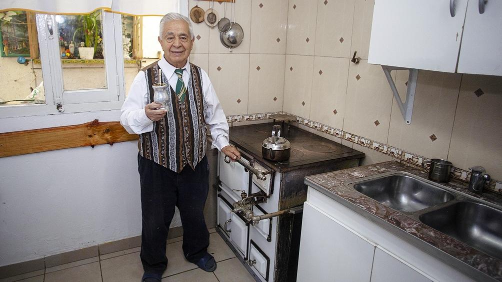 Francisco Osses (foto) nació en Chile pero vive en Santa Cruz hace más de 70 años