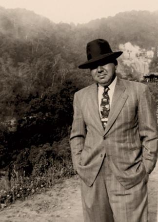 """Foto del abuelo del autor y protagonista de la novela """"Canción""""."""