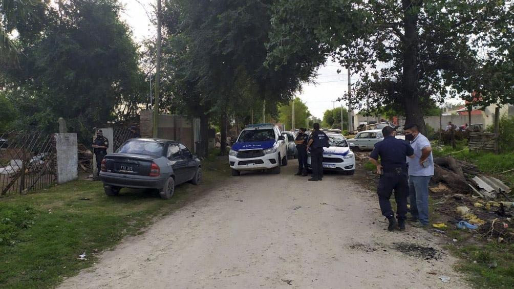 La policía científica se presentó al lugar luego de que la víctima reciba un disparo.