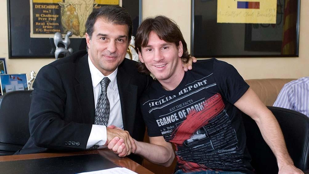 """""""Todo va bien con Messi"""", confió Joan Laporta a los medios que lo abordaron."""