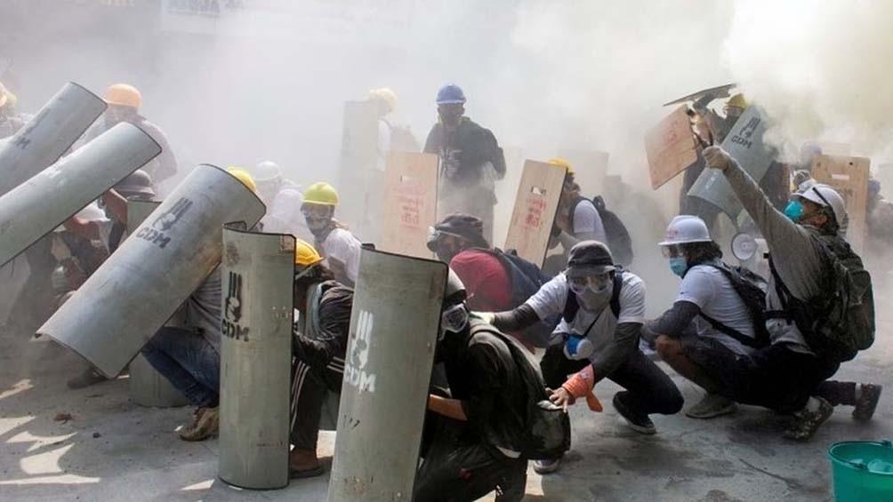 Más de 50 manifestantes murieron desde el golpe de Estado que derrocó el Gobierno de Suu Kyi, Premio Nobel de la Paz 1991.