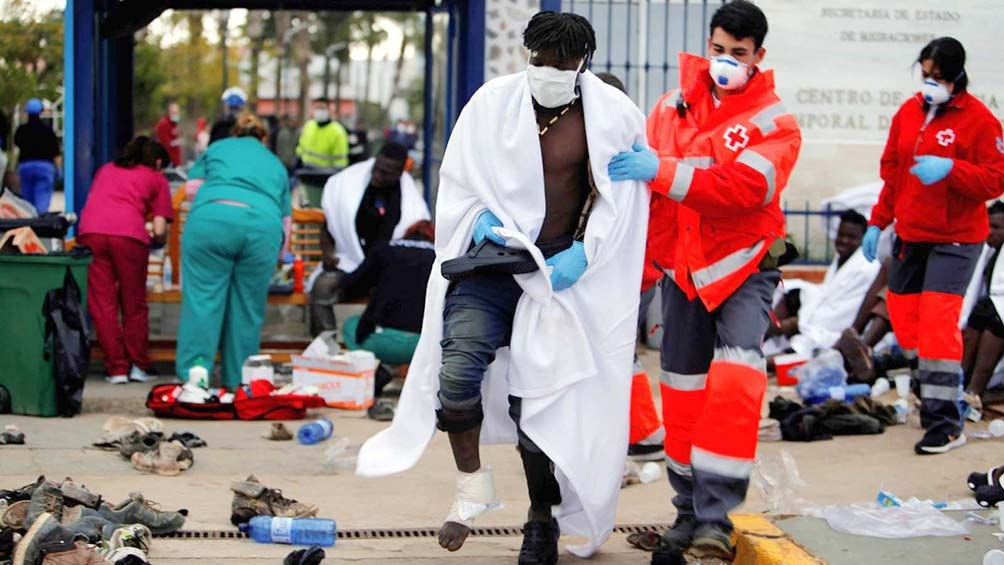 Unos 60 africanos lograron saltar la valla y entraron al enclave español de Melilla