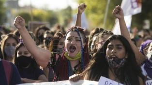 El Día Internacional de la Mujer convocó a masivas y sonoras marchas en todo el mundo