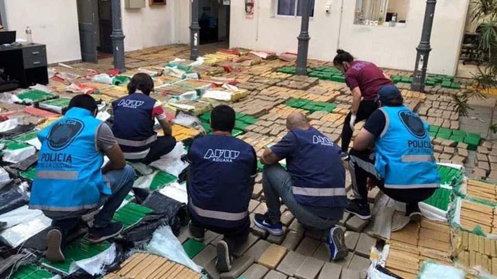 Los 5.641 ladrillos de marihuana sumaron un total de 5.181,75 kilos, valuados en unos 750 millones de pesos.