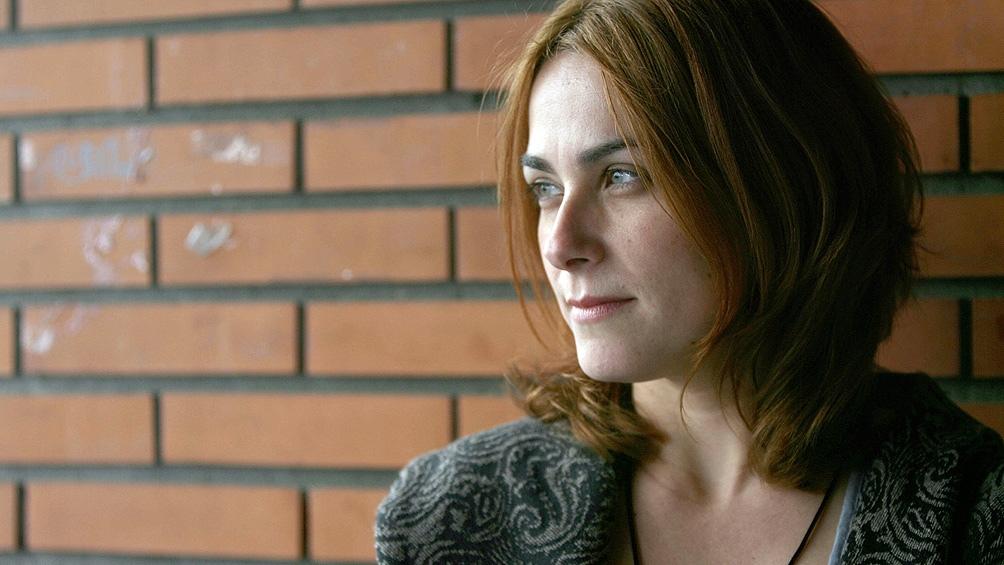 """Sara Mesa, la escritora española autora de """"Cuatro por cuatro"""", """"Cicatriz"""" y """"Un incendio invisible""""."""