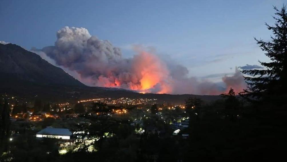 Incendio en El Hoyo: