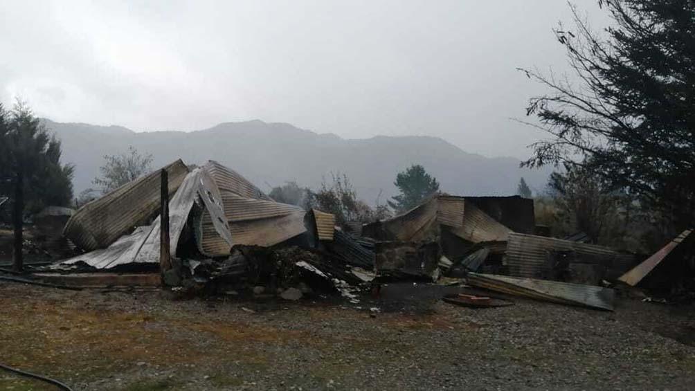 En Lago Puelo quedaron totalmente destruidas 350 viviendas, mientras 130 sufrieron daños parciales.