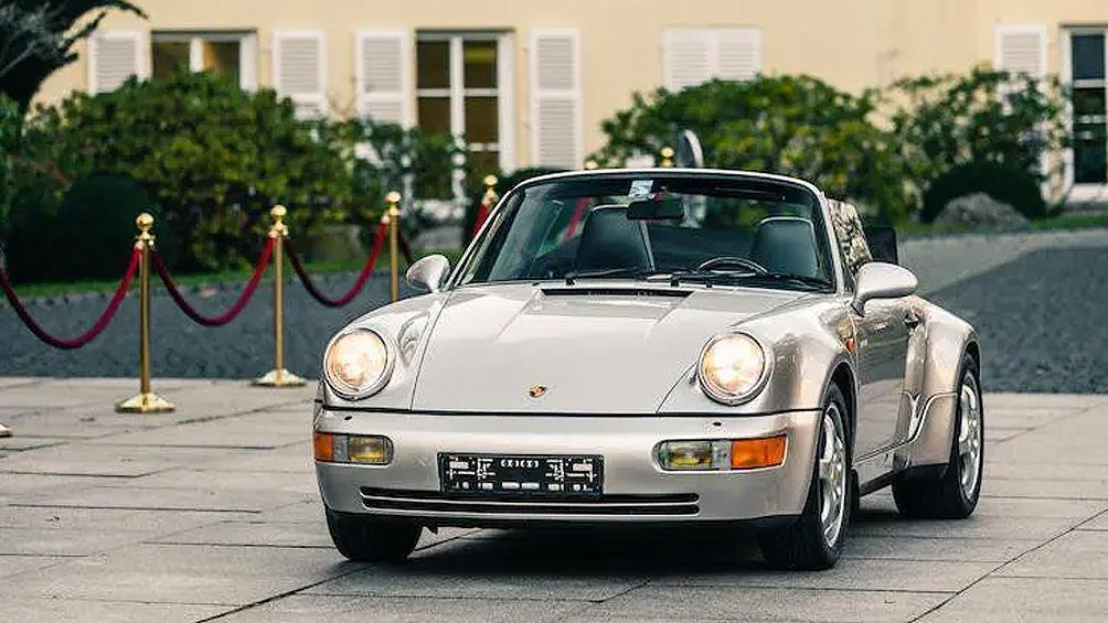Ofrecen más de medio millón de dólares por un Porsche de Maradona