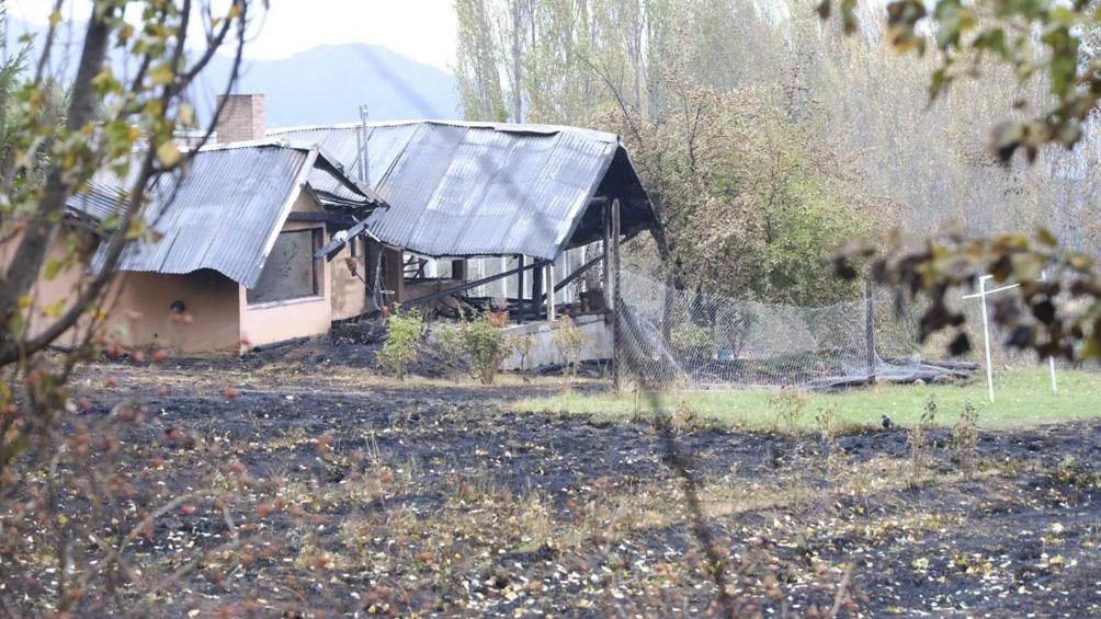 Cerca de 500 viviendas fueron destruidas por completo o tuvieron daños parciales en Lago Puelo y El Hoyo.