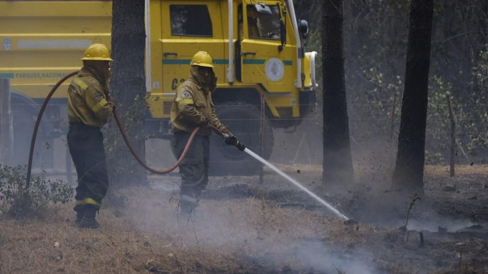 Con focos controlados pero activos se desarrolla la situación de los incendios.