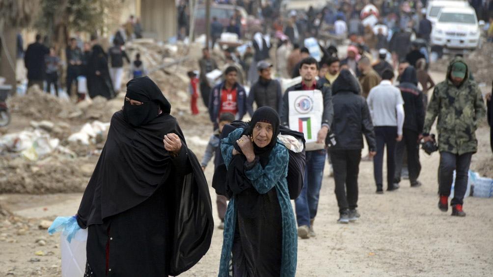 Este lunes se cumplirá una década de guerra en Siria, donde la destrucción, el hambre y el sufrimiento continúan, mientras los albergues de refugiados hace tiempo llegaron a la superpoblación.