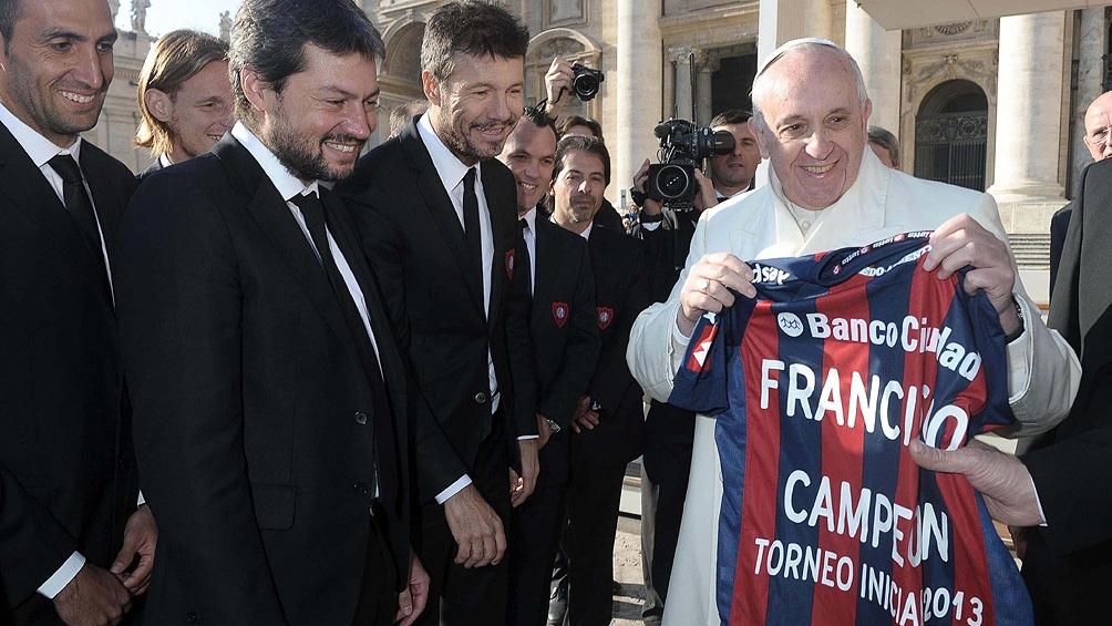 Desde 1946 hasta el 2021, Francisco nunca ocultó su amor por San Lorenzo (foto archivo)