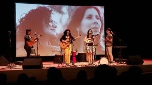 El dúo Cantoras y el grupo femenino Albahaca reeditan el encuentro �Mujeres en voz alta�