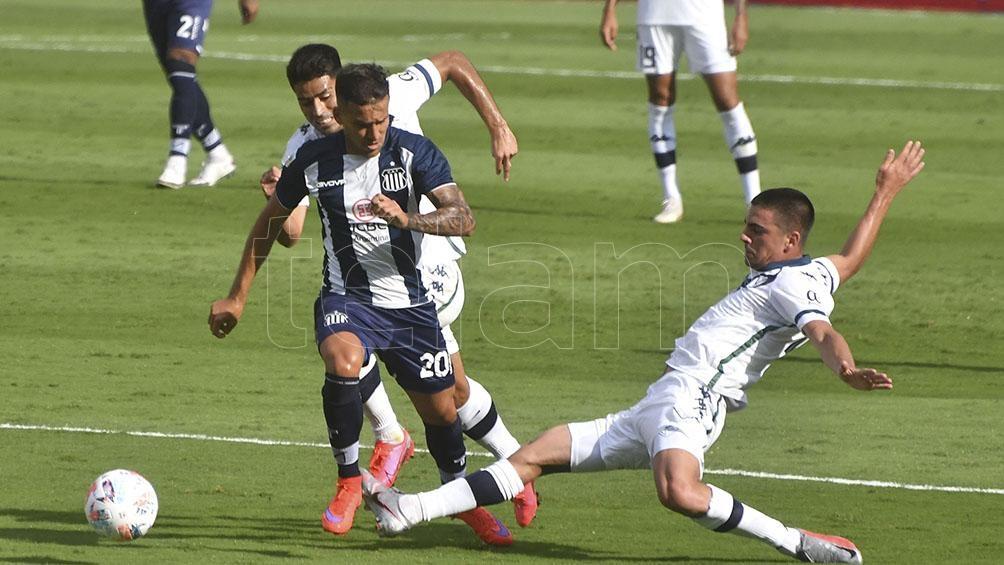 Talleres cayó ante Vélez en Córdoba.
