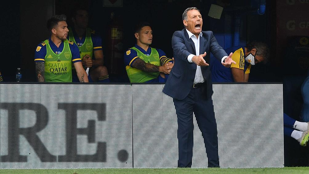 Boca, sin Tevez y con suplentes, enfrenta a Defensores de Belgrano en un partido clave