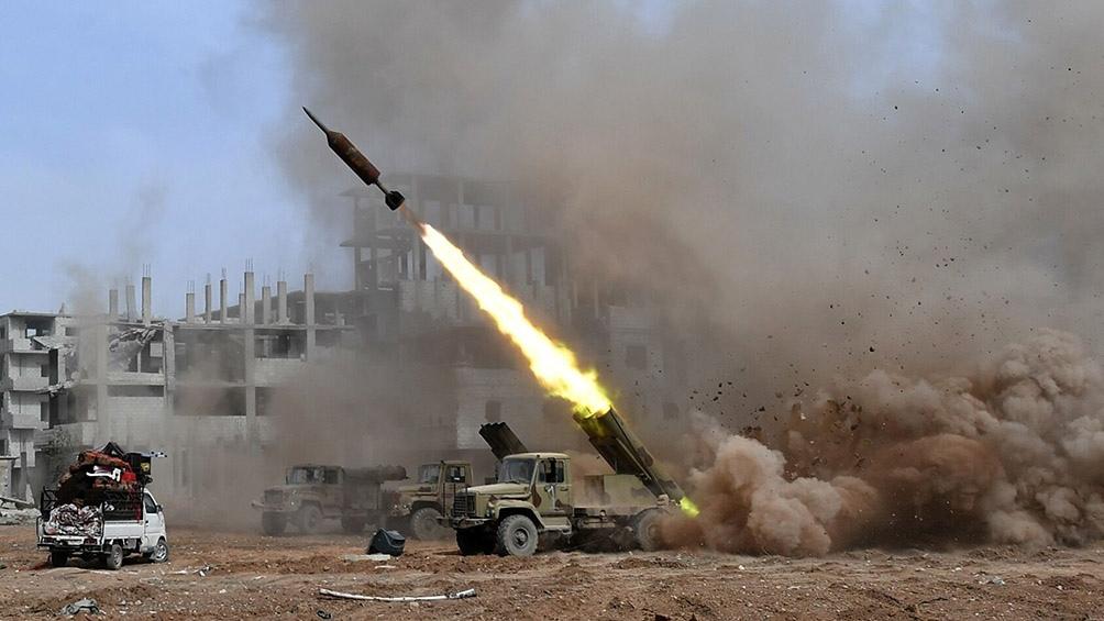En marzo, ataques con misiles contra refinerías de petróleo en la misma zona dejaron cuatro muertos y 24 heridos.