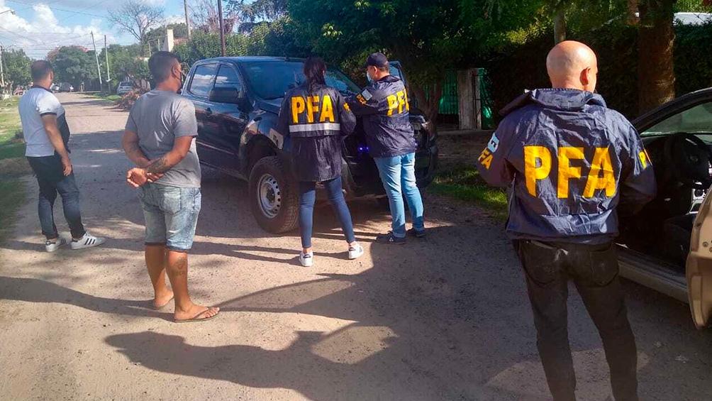 La Policía detuvo a tres personas, una de ellas es el joven que había sido secuestrado junto a su novia.